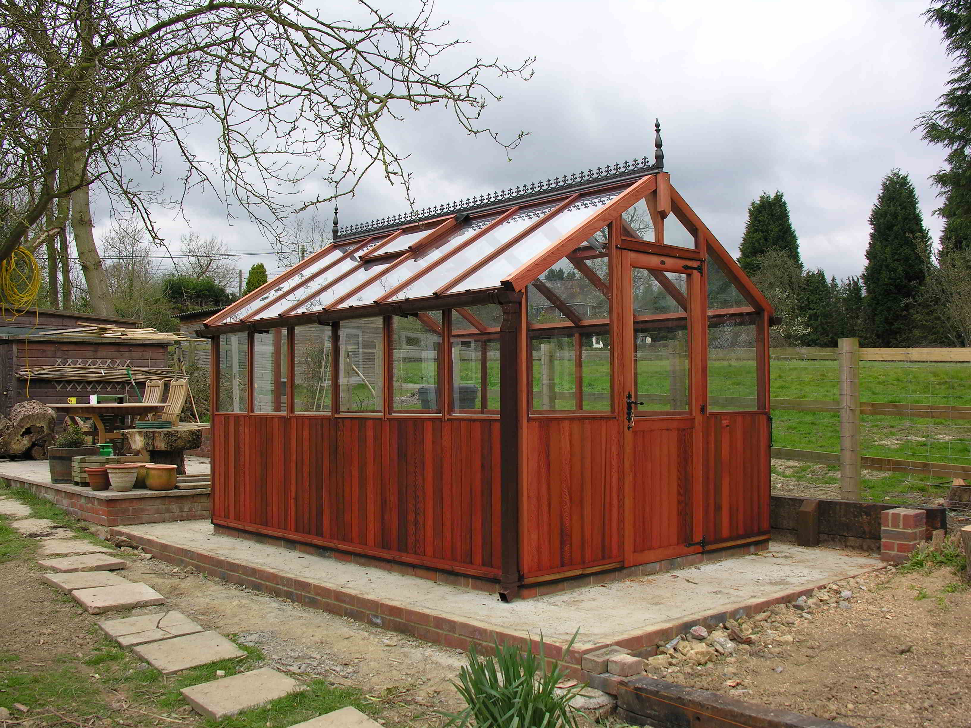 Bromley greenhouse 12 x 8 stained red cedar