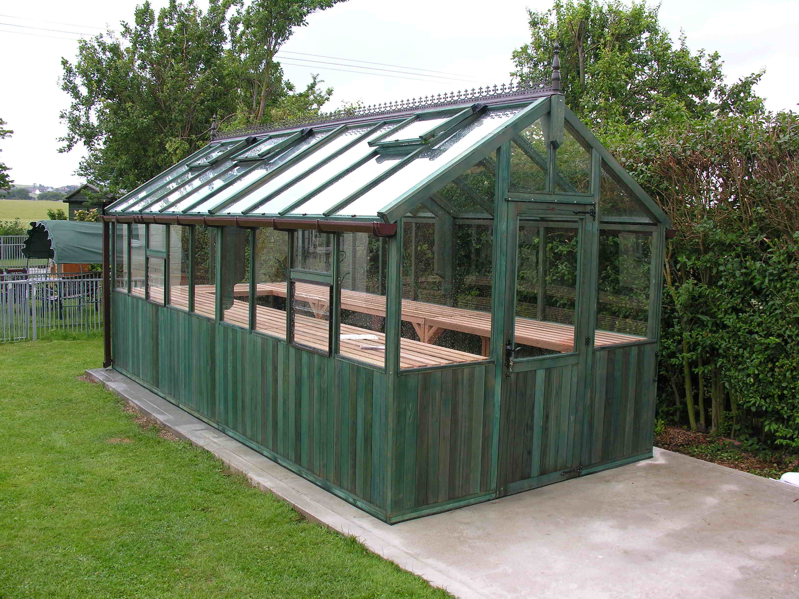 Bromley greenhouse 18 x 8 stained holly green