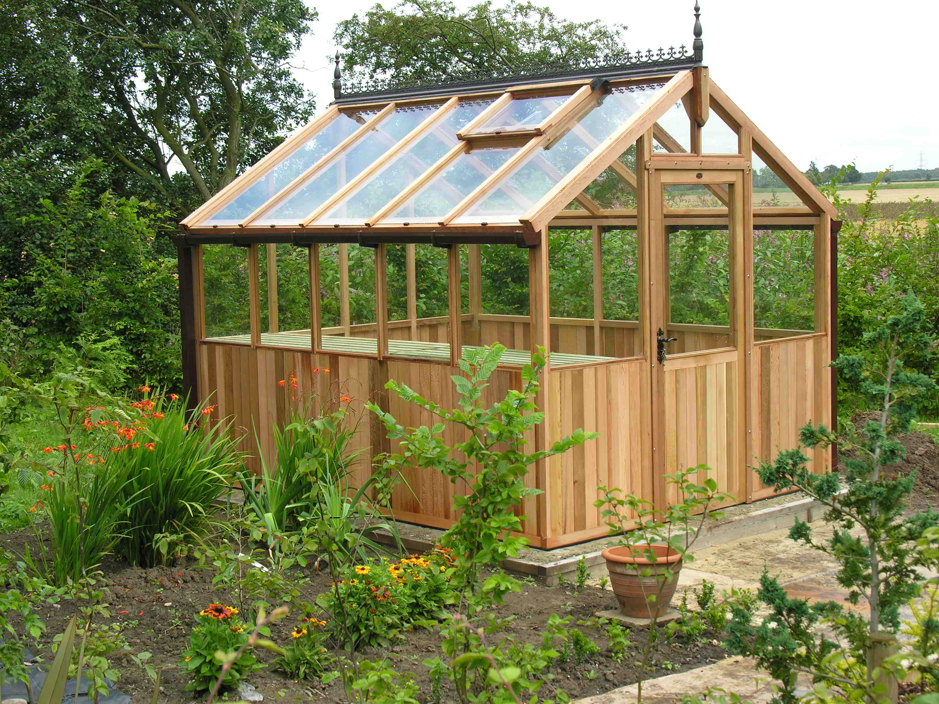 Bromley greenhouse 8 x 10 stained clear
