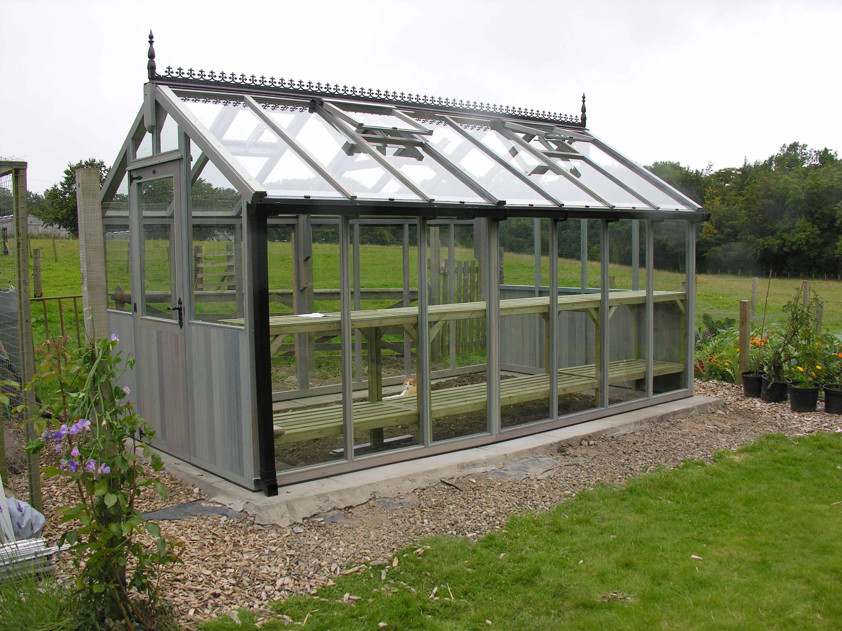 Bromley greenhouse 10 x 14 painted pale blue