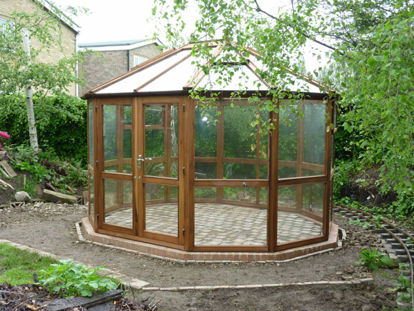 Hixon Round Timber Greenhouse with Toughened Glass