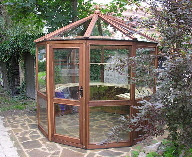 Decagonal Cedar Greenhouse 8ft3 x 8ft3 wooden greenhouse for small gardens
